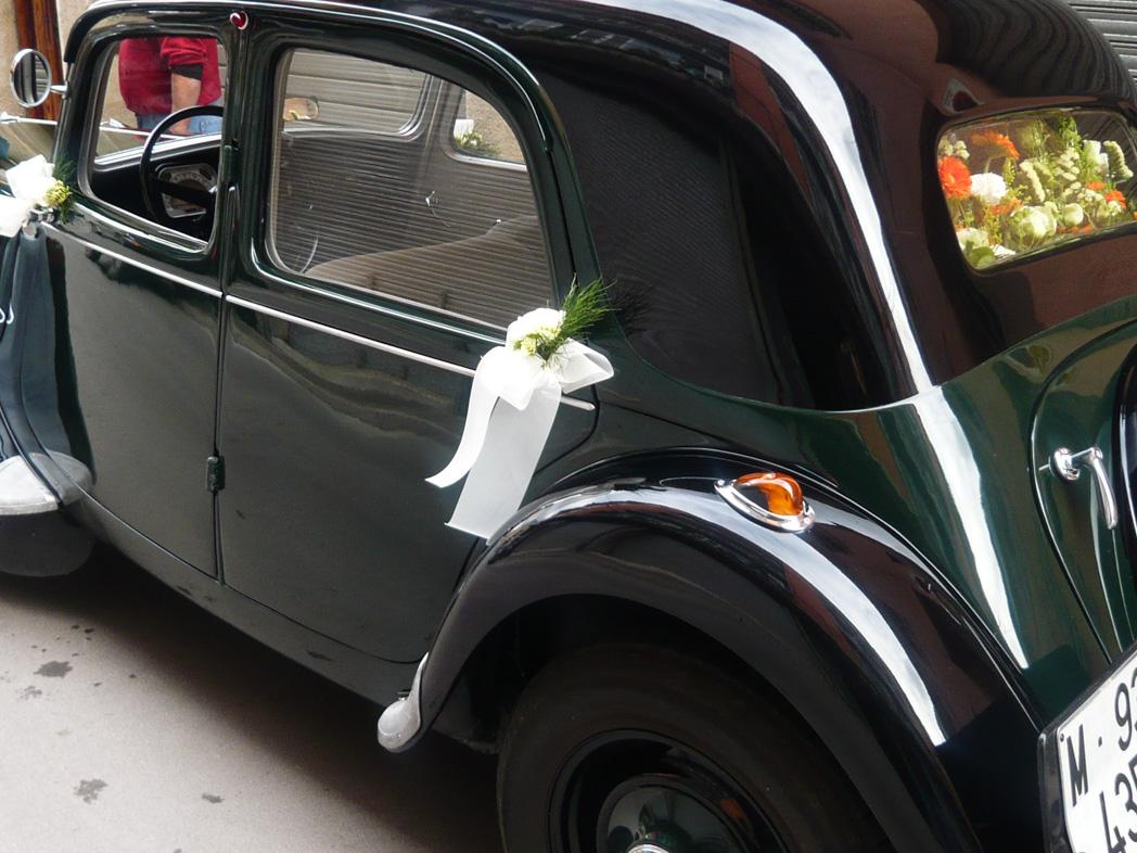 Decoracion coche boda amazing ms de ideas increbles sobre de coches de boda en gorgeous flores - Decoracion interior coche ...